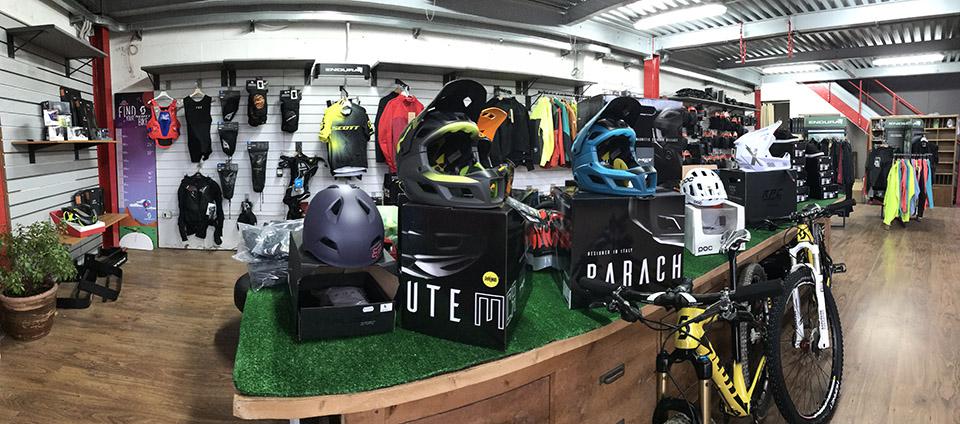 panoramica interno negozio GagaBike